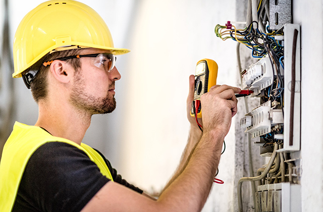 How to Become an Electrician: 6 Basic Steps to Journeyman Status